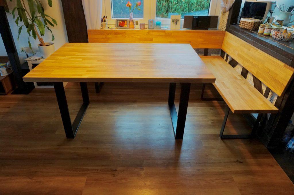 Esstisch nach Maß passend zur Holz-Sitzecke