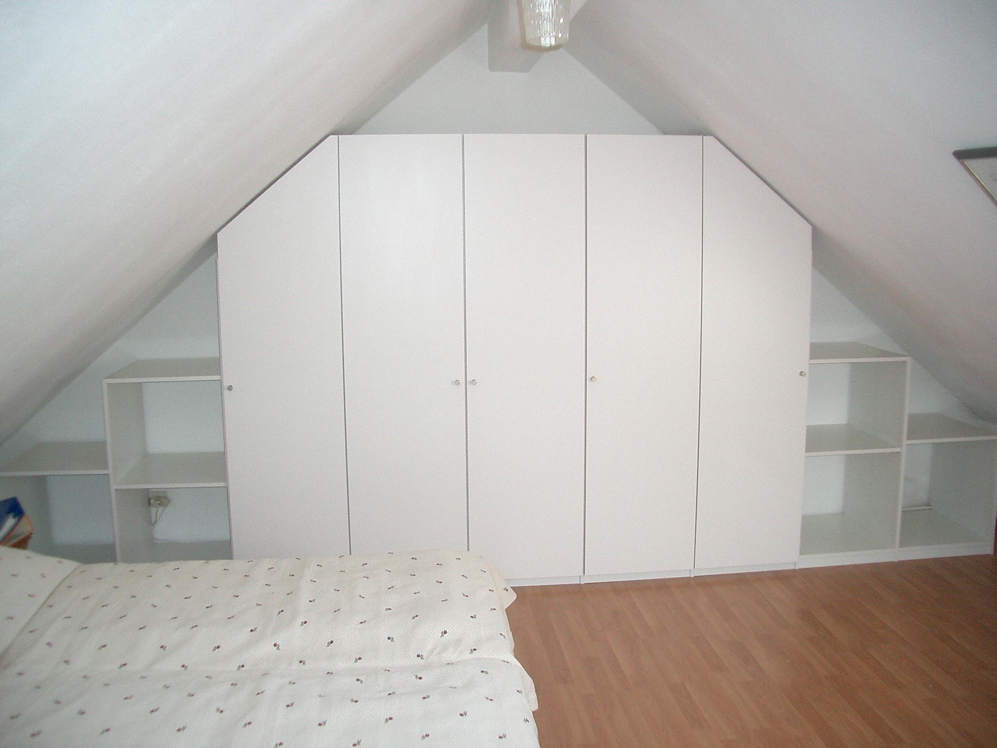 Individuelle Möbel unter Dachschrägen