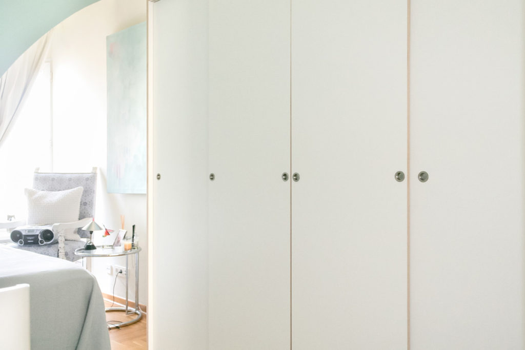 Kleiderschrank nach Maß von Inlignum Möbel